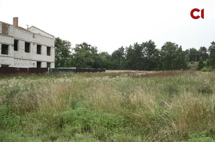 Поліція Київської області купила гектар землі поблизу столиці за 2 000 грн – ЗМІ