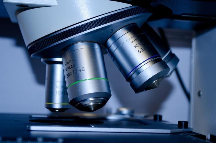 Китай не хоче пускати експертів ВООЗ в свої лабораторії для розслідування походження COVID-19
