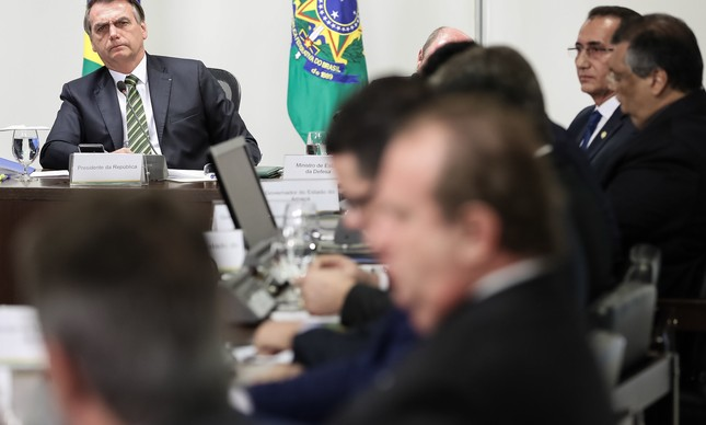 YouTube видалив 15 роликів президента Бразилії через дезінформацію про коронавірус
