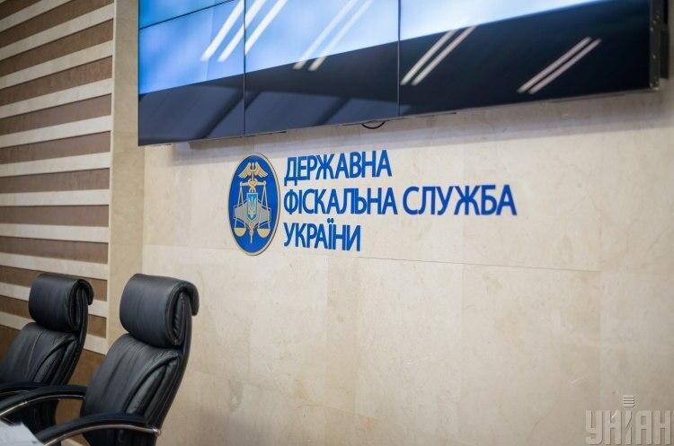 Службовець Київської митниці завдав понад 6 млн грн збитків держбюджету – ДФС