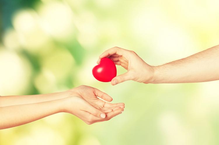 «Зіркові» донати: як зробити благодійність цікавою для всіх