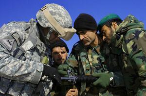 США пообіцяли подальшу підтримку з повітря афганським військам на тлі наступу талібів