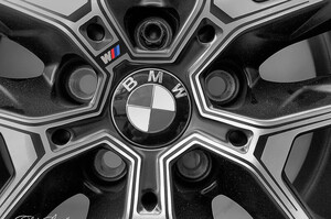 Немає чипів – немає виробництва: BMW зупинив свій завод у Регенсбурзі