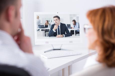 Кінець епохи «чорних вікон»: як поєднувати онлайн та офлайн в одній компанії