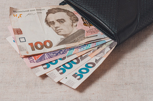Реальна зарплата в Україні зросла майже на 13% за рік – Держстат