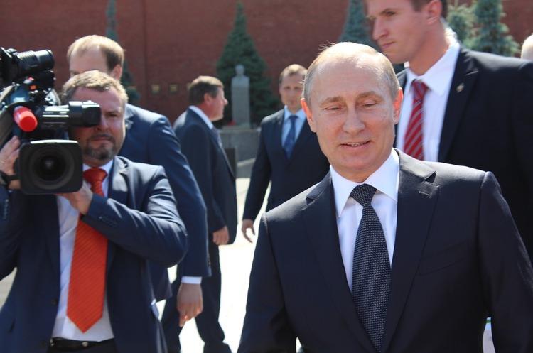 Чотири російських мільярдери подали до суду на автора книги про Путіна