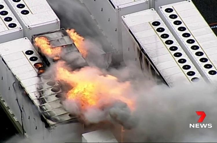 На сховищі енергії Tesla Megapack в Австралії спалахнула пожежа