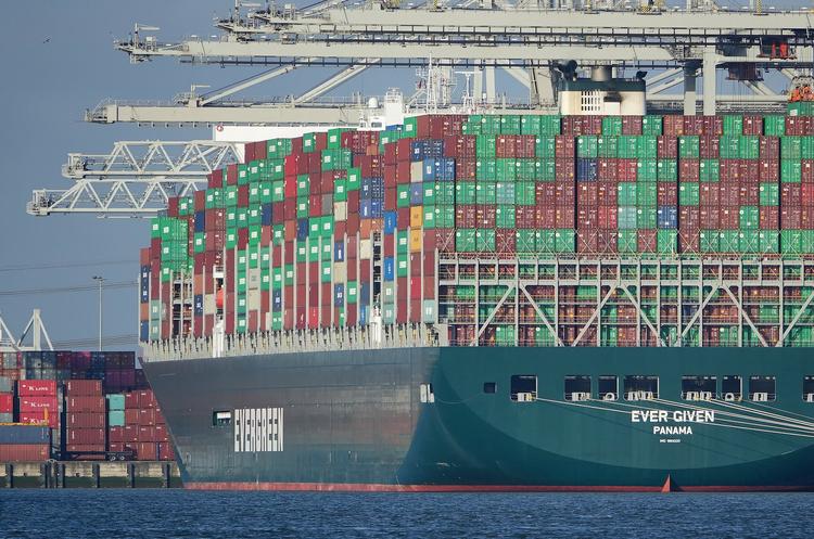 Керівництво порту в Ротердамі організувало екскурсії до контейнеровоза Ever Given