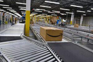 Люксембург оштрафував Amazon на майже $1 млрд за порушення захисту даних