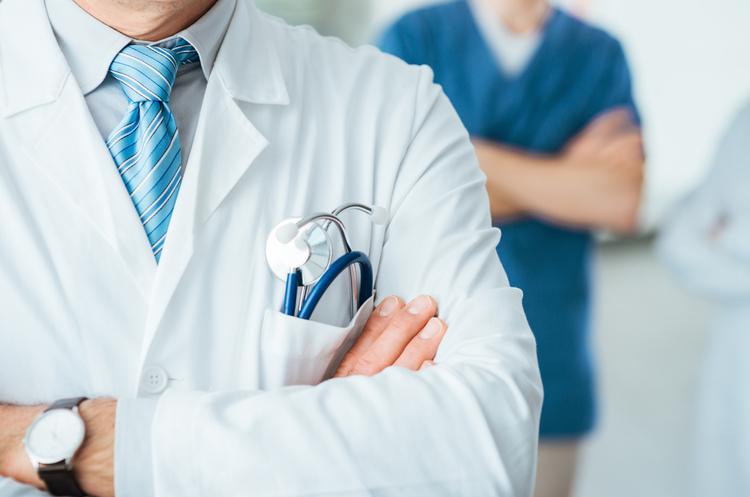 Расслабляться рано: что ждет медиков, страховщиков и пациентов осенью 2021 года