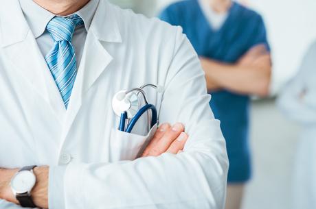 Розслаблятися зарано: що чекає на медиків, страховиків і пацієнтів восени 2021 року
