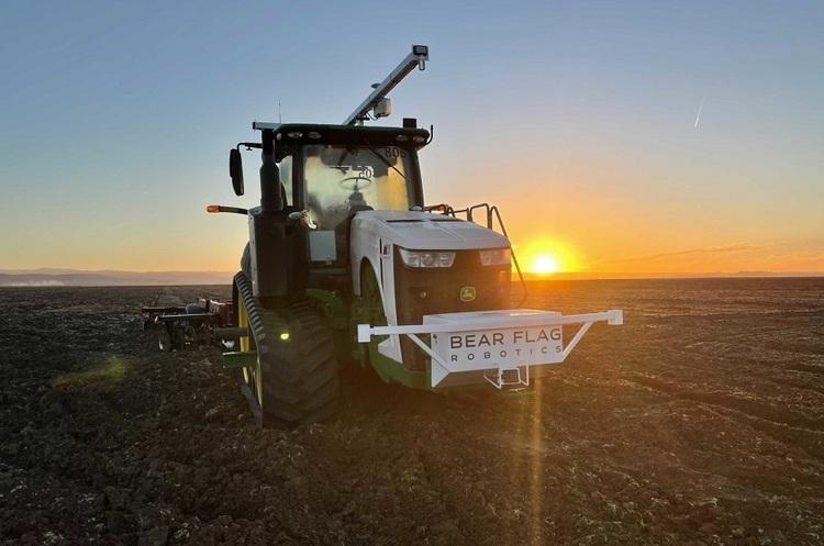 John Deere купить розробника автономних тракторів Bear Flag Robotics