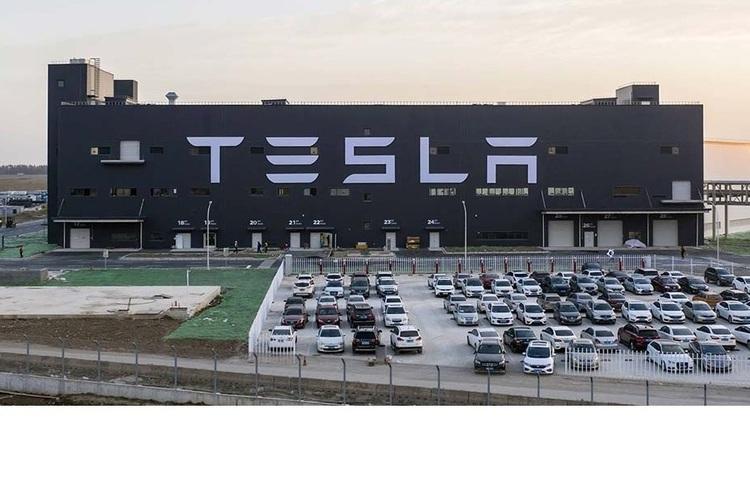 Tesla навчилася отримувати 92% матеріалів з використаних батарей