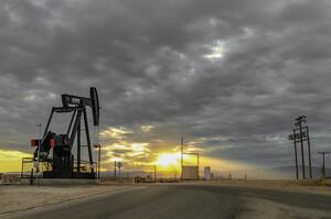 Ціни на нафту падають на тлі невпевнених перспектив попиту в Китаї