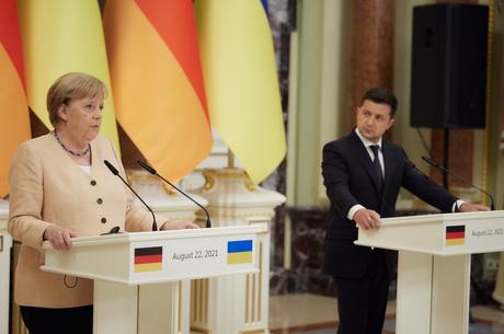 «Mutti» или Ma Baker: что Владимиру Зеленскому следовало знать об Ангеле Меркель до переговоров