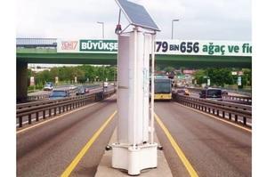 На дорогах Стамбула встановили турбіни, які генерують енергію з повітряного потоку від машин