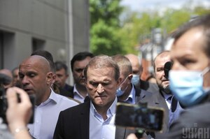 Суд залишив Медведчука під цілодобовим домашнім арештом ще на два місяці