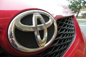 Toyota відстає від Tesla в продажах, але є лідером по патентах на електромобілі