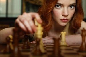 Серіал «Ферзевий гамбіт» спровокував нову хвилю інтересу до шахів у світі