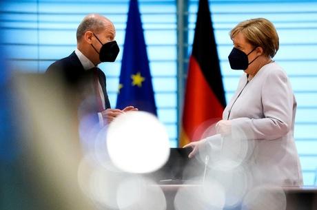 «Светофор» vs «Ямайка»: кто и как будет управлять Германией после Меркель