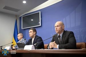 СБУ викрила схему розкраданню 300 млн грн на закупівлі ноутбуків в українські школи