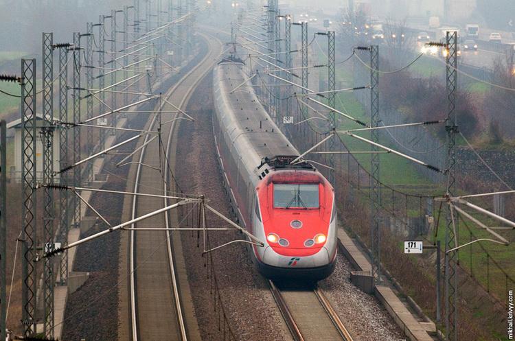 В Україні планують побудувати високошвидкісну залізницю: розглядають три напрямки