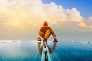 Аналітики назвали причини, які можуть загальмувати зростання сонячної енергетики