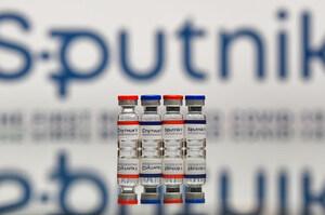 ВООЗ призупинила сертифікацію російської вакцини «Спутник V»