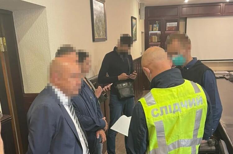 Правоохоронці прийшли з обшуками до «Київавтодору» та «Київавтошляхмосту»
