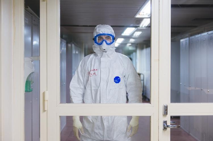 В Україні за добу зафіксували 6 624 нових випадків COVID-19