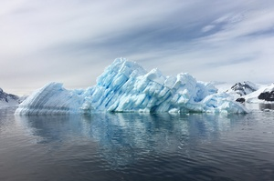 Coca‑Cola встановила обладнання для переробки пластику на українській антарктичній станції «Академік Вернадський»