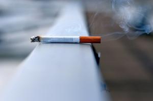 Торгівля нелегальними цигарками в Україні сягнула максимуму за останні 10 років
