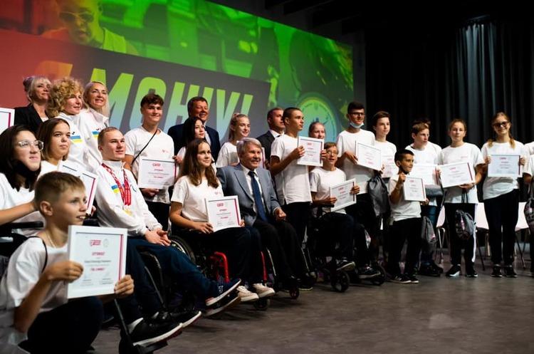 Parimatch Foundation поддержал стипендиями маленьких спортсменов с инвалидностью