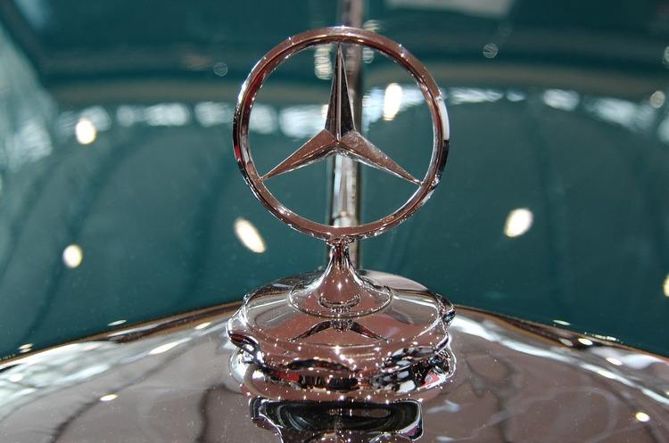Німецькі екологи хочуть через суд добитися змін від BMW та Mercedes-Benz