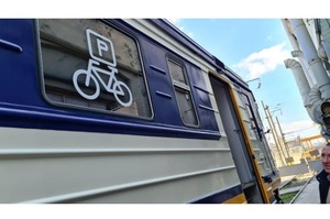 В українських поїздах можуть з'явитися місця для велосипедів