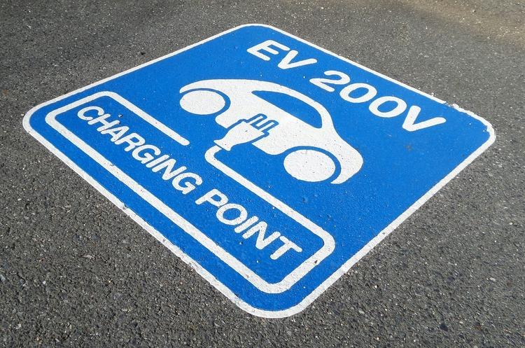 У Норвегії останній бензиновий автомобіль продадуть у квітні 2022 року