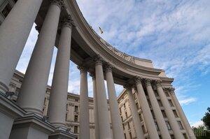 Україна не отримувала офіційних сигналів від Єврокомісії про загрозу скасування безвізу – МЗС
