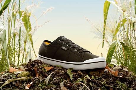 KEEN Footwear почала продаж перших кросівок із сільськогосподарських відходів