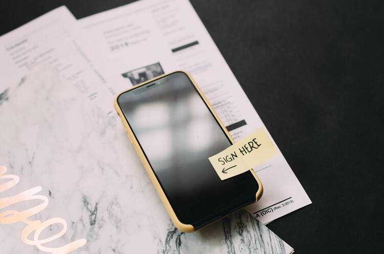 Кнопка замість аркуша: як оптимізувати документообіг у різних компаніях