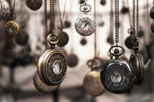 СЕТАМ продає раритетний швейцарський годинник за 450 000 грн