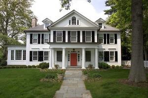 Більшість американців згодні купити будинок з привидами, якщо дешево