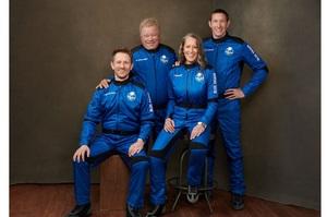 Корабель Blue Origin успішно злітав у космос з 4-ма пасажирами, серед яких відомий актор