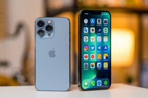Світові поставки смартфонів впали через дефіцит чипів