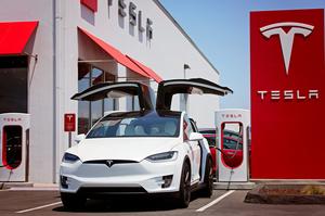 Акції Tesla зросли до історичного рекорду