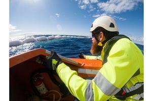 Проект Ocean Cleanup створить бар'єр довжиною 2,5 км, який виловлюватиме сміття з океану