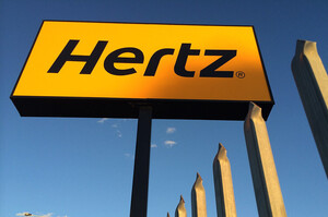 Сервіс прокату авто Hertz замовив 100 000 електромобілів Tesla