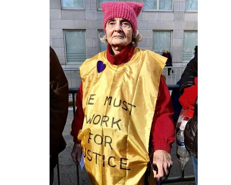 Сотні тисяч демонстрантів вийшли на«Марш жінок» вСША