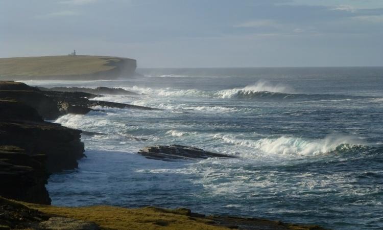 Вчені придумали ще один спосіб, як добувати електроенергію – з морських хвиль