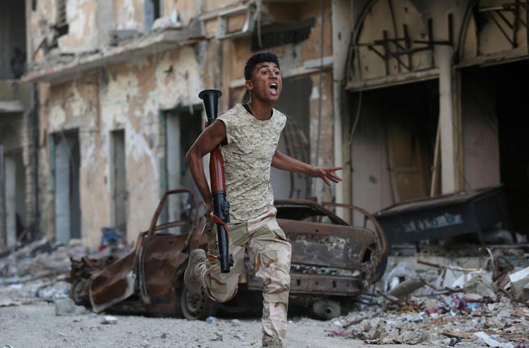 Як «новий Каддафі» і 800 російських найманців завойовують Лівію