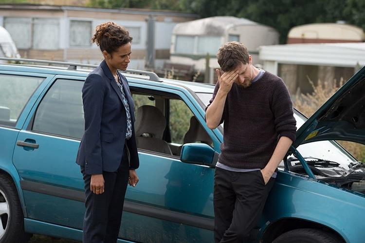 Британская криминальная драма, датский психологический триллер, дублинский детектив: какие сериалы посмотреть дома вместо похода в кино